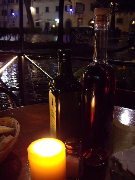 ワインビネガーとオリーブオイル
