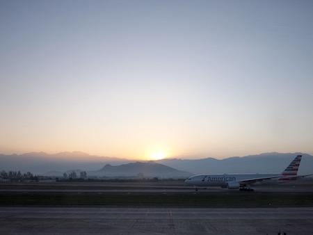 サンティアゴ空港の日の出