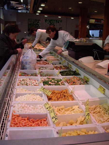 サンタ・カタリーナ市場の冷凍食品コーナー
