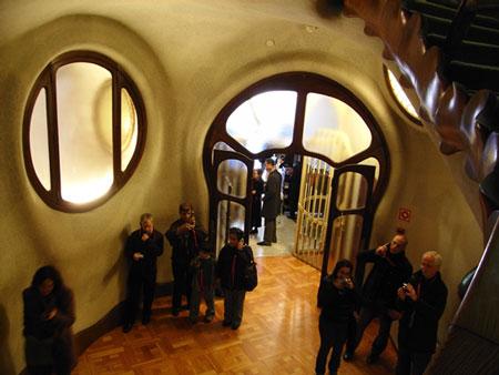 カサ・バトリョの玄関