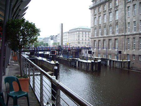 ハンブルクは運河の街