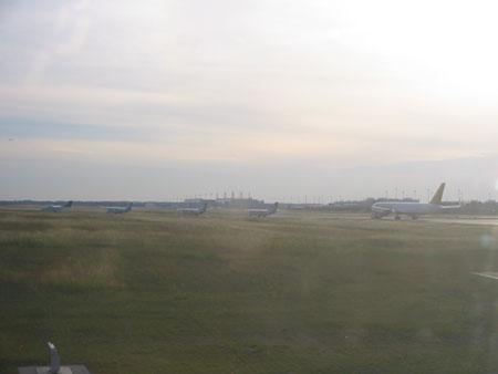 ミュンヘン空港にて、飛行機の順番待ち