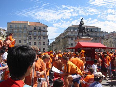 オランダ人に占拠されるフィゲイラ広場