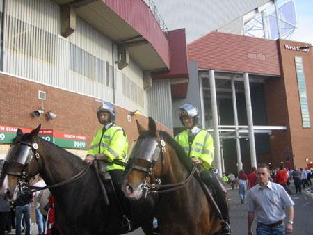 Old Traffordの騎馬警官