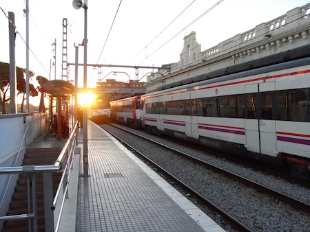 Cornella駅の朝