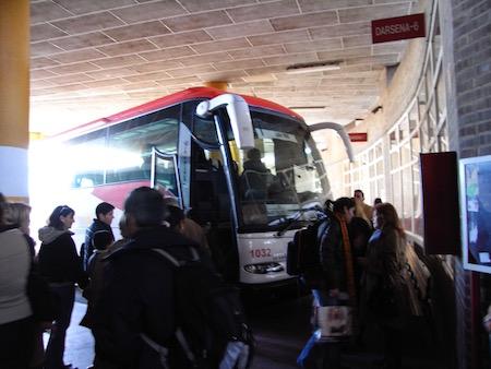 このバスでマドリッドへ