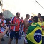 モスクワの街で楽しむブラジル対セルビア