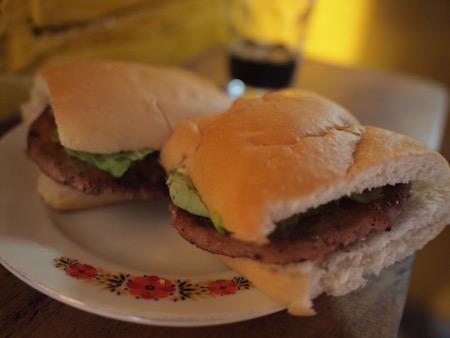 ハンバーガー22円なり