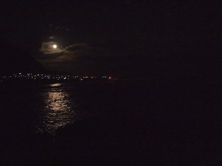 月が登ってきた