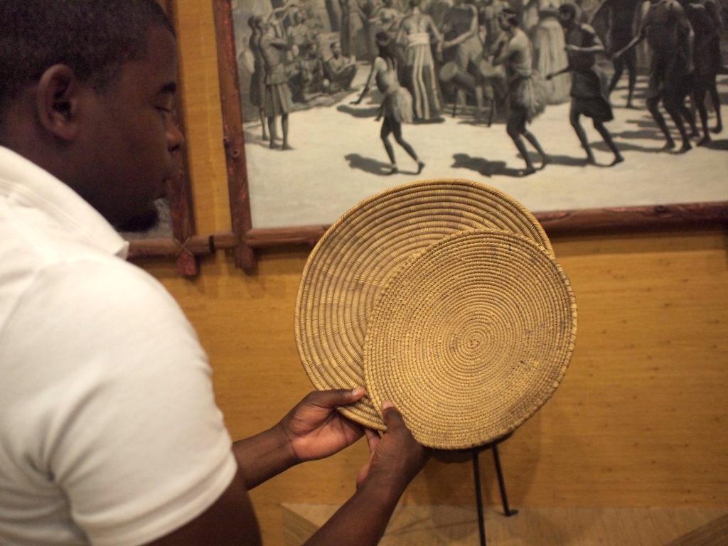 ナミビアのどこかの民族が作ったカゴ