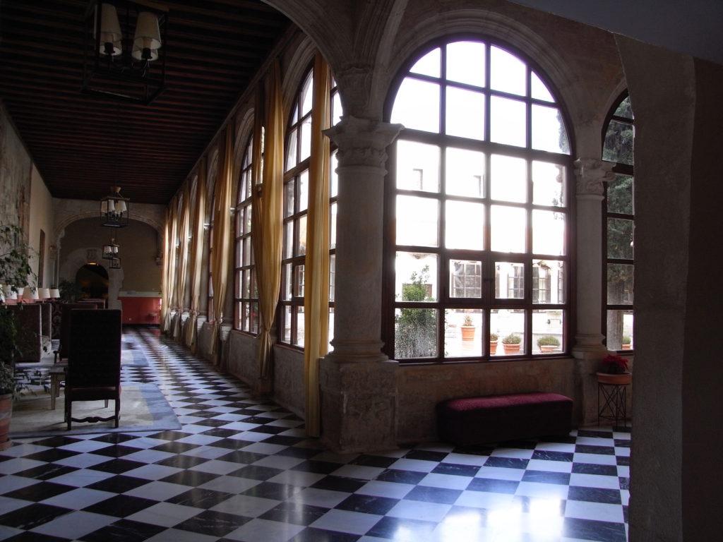 クエンカのパラドールの廊下