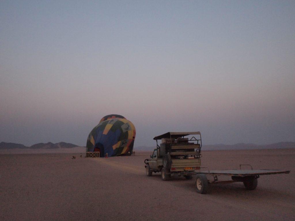 ただいま気球製造中